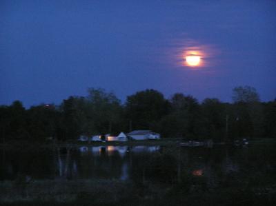 Moonoverhouse